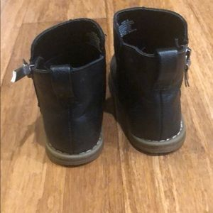 Baby Gap Shoes - Black Ankle Boots (Toddler)